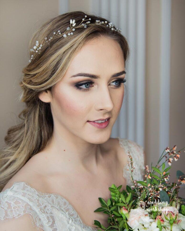 opaska ślubna na głowie panny młodej model EVITA