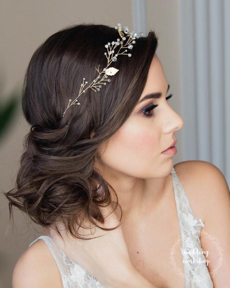 fryzura ślubna ze złotym wiankiem ALISA BASIC