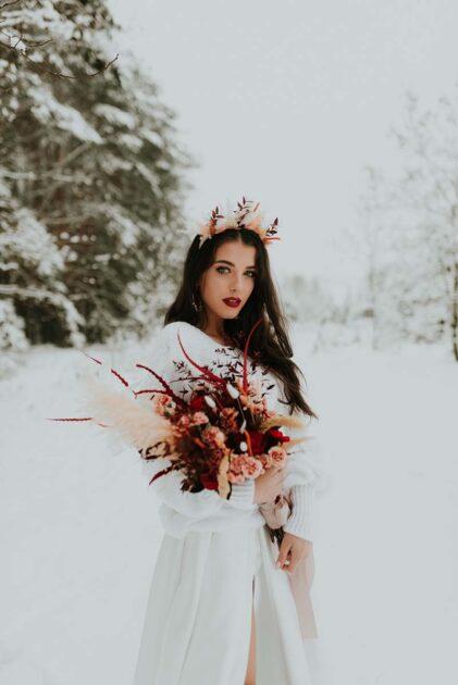 wianek dla panny młodej suszki i kwiaty
